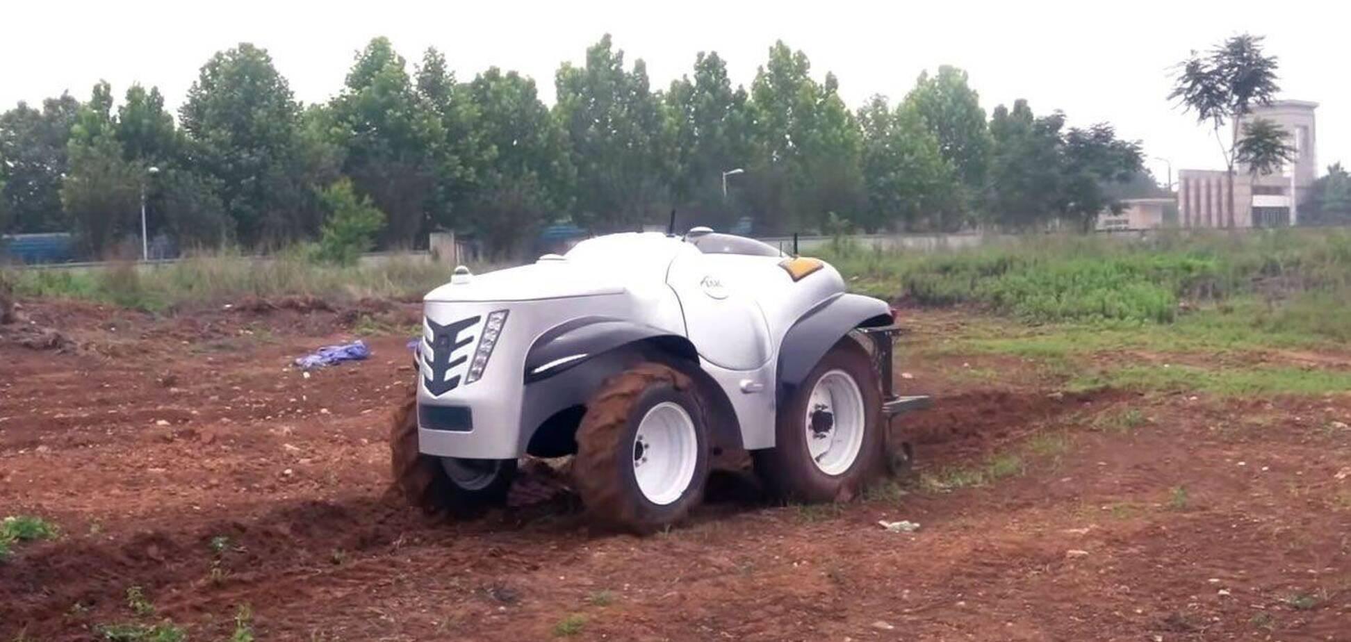 Китайцы заставили ехать трактор с помощью 5G и водорода