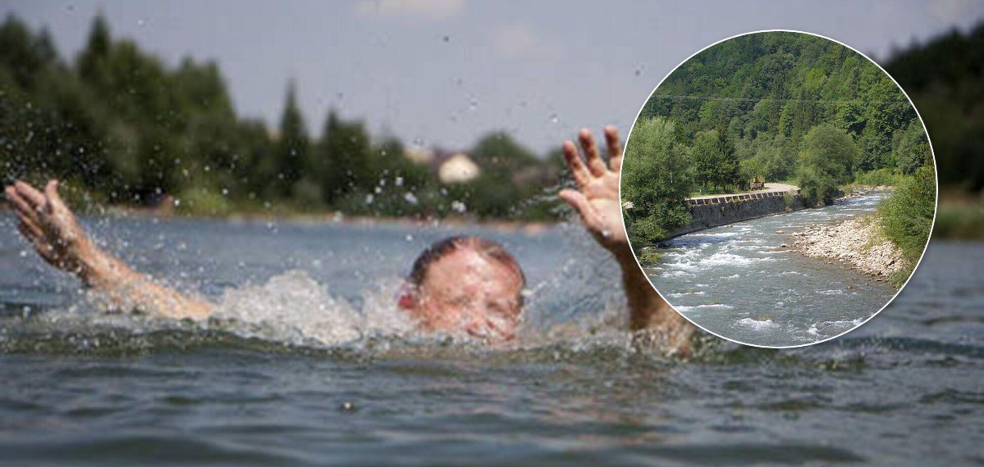 Один зачепився за дерево, другого забрала вода: подробиці трагедії з дітьми на Закарпатті