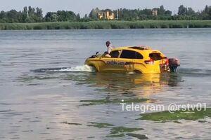 Новий кросовер Lada перетворили на човен: що з цього вийшло
