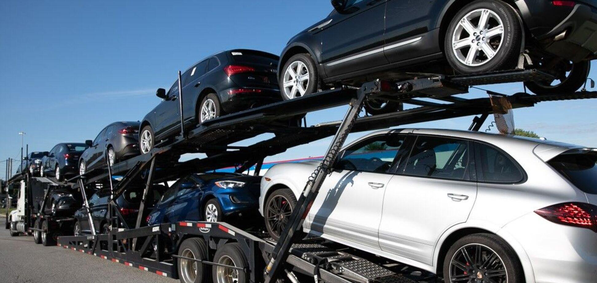 З авто в США виникли проблеми: вони не продаються і старіють