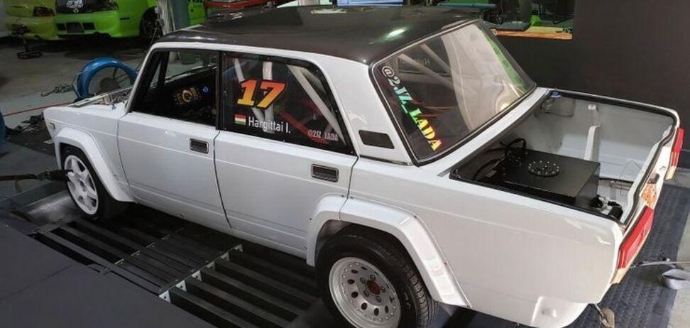 Незвичайний ВАЗ-2105 доопрацювали в США. Фото: firstgear.ua