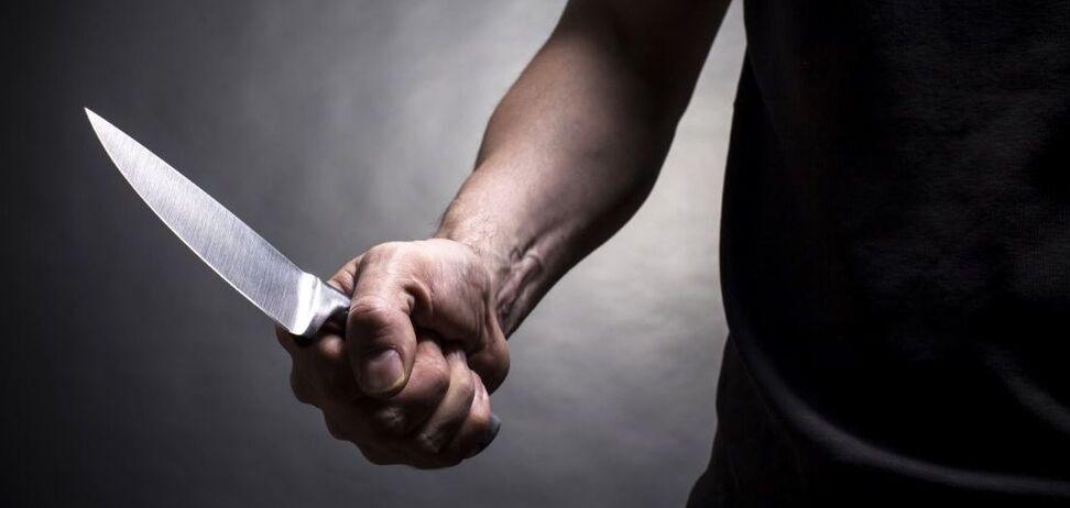 В Никополе двое мужчин устроили поножовщину из-за женщины