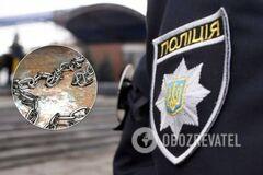 Під Миколаєвом опікуни 10 років тримали чоловіка на ланцюгу