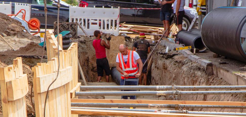 В Днепре реконструируют дождевую канализацию