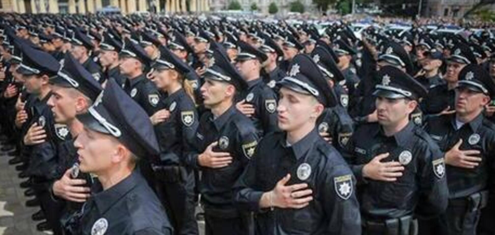 Кличко поблагодарил полицию за нелегкую работу и поздравил с праздником