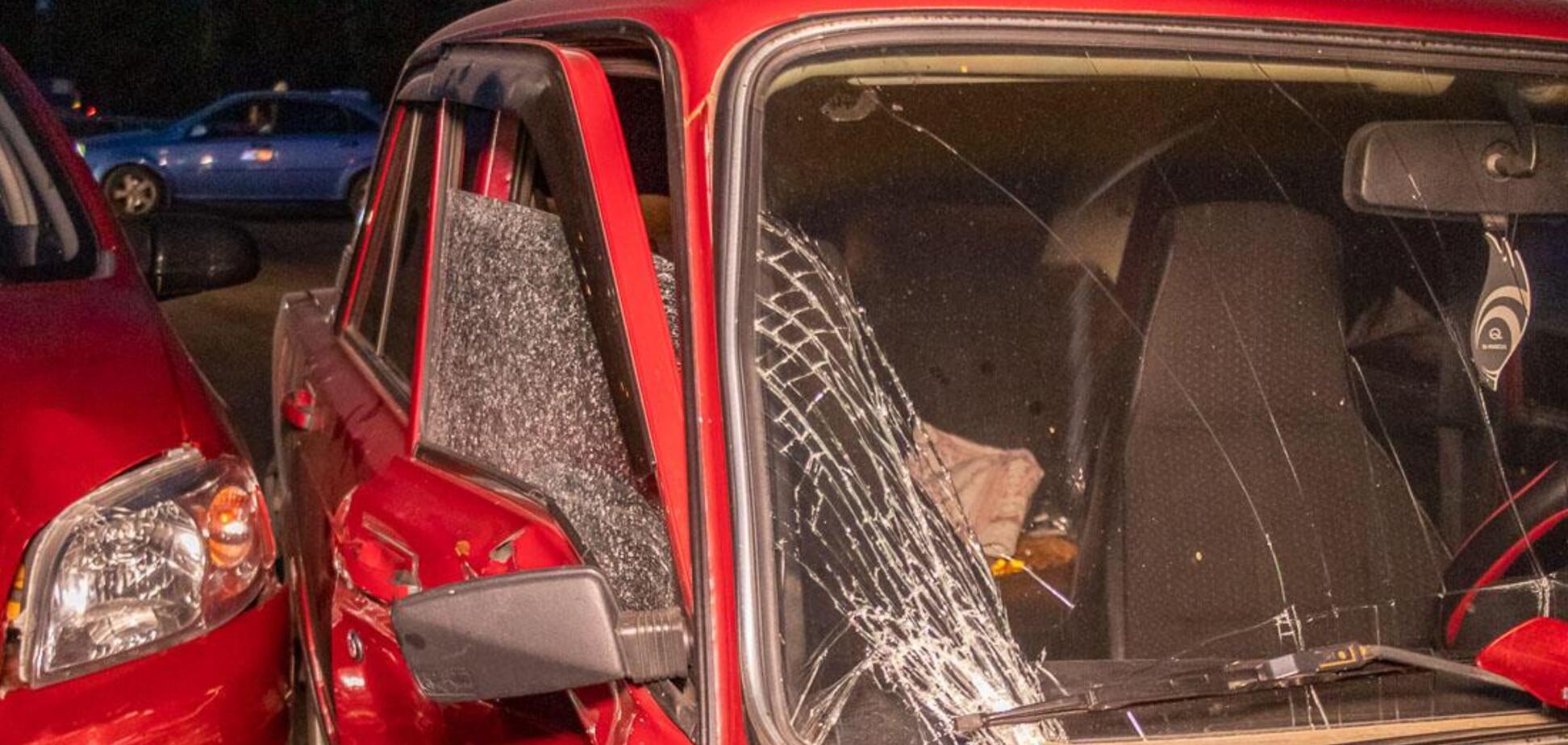 У Дніпрі зіткнулися два авто: госпіталізували вагітну жінку