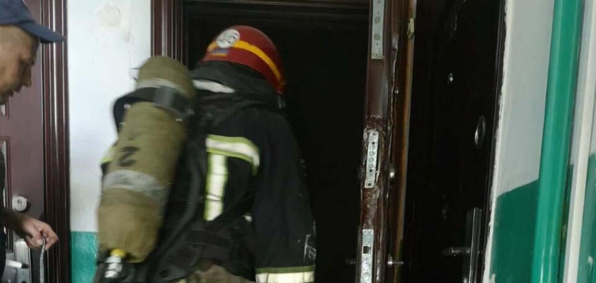 На Дніпропетровщині з пожежі в багатоповерхівці врятували двох людей