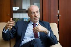 Посол Франции в Украине Этьен де Понсен
