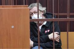 Ефремову предъявили обвинение по делу о ДТП: сколько лет грозит актеру
