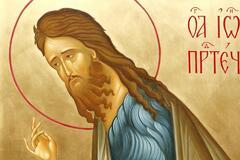 Іоанн Предтеча передбачив пришестя Спасителя, а потім хрестив його у водах річки Йордан