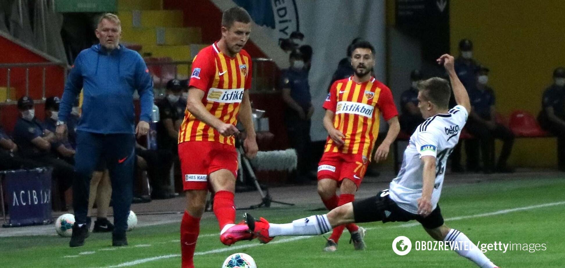Артем Кравец в матче против 'Бешикташа'