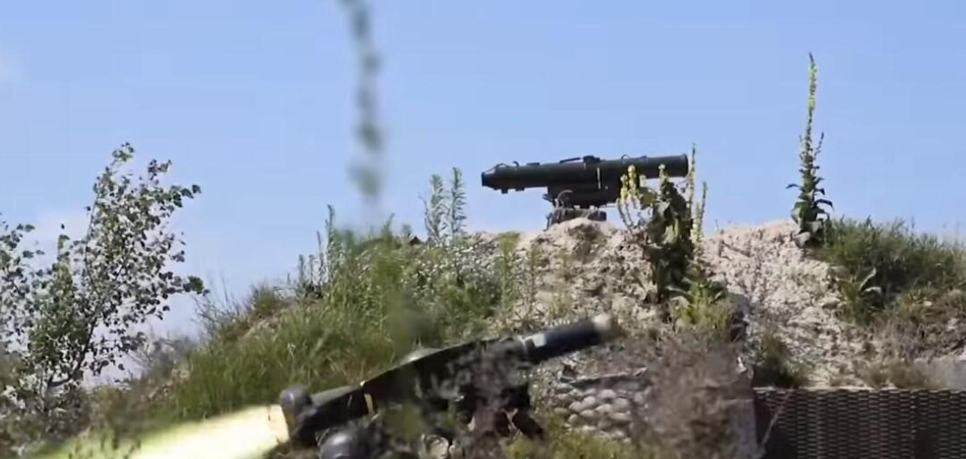 Українські військові вистрілили по одній мішені з Javelin і Стугна-П