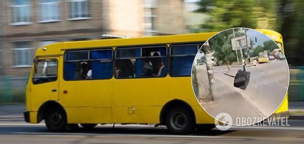В Киеве у маршрутки отвалилось колесо и полетело в человека. Иллюстрация
