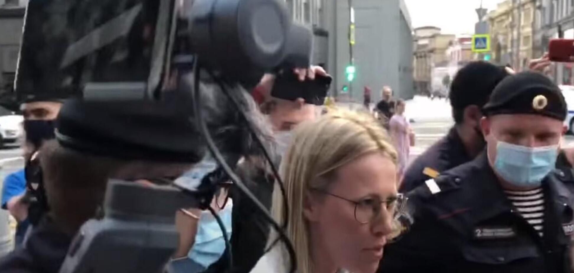 Разом із Собчак затримали ще 20 російських журналістів