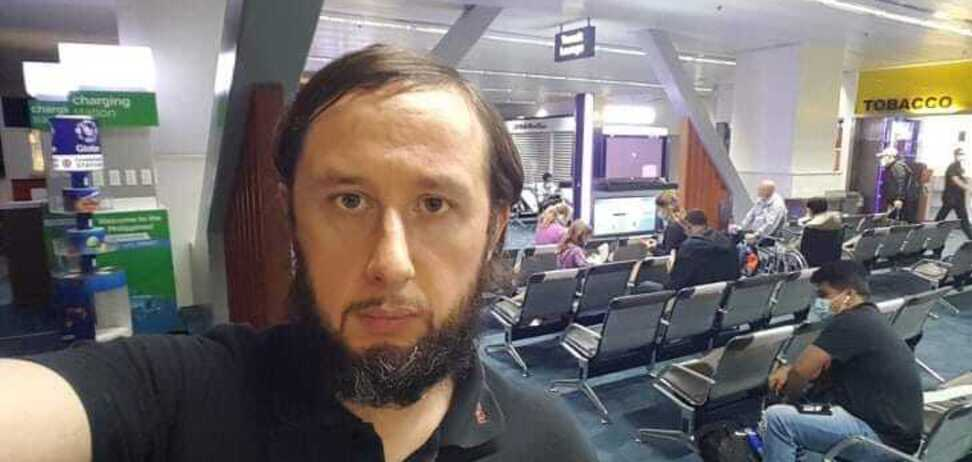 Эстонец, который провел 100 дней в аэропорту Филиппин, опоздал на рейс домой