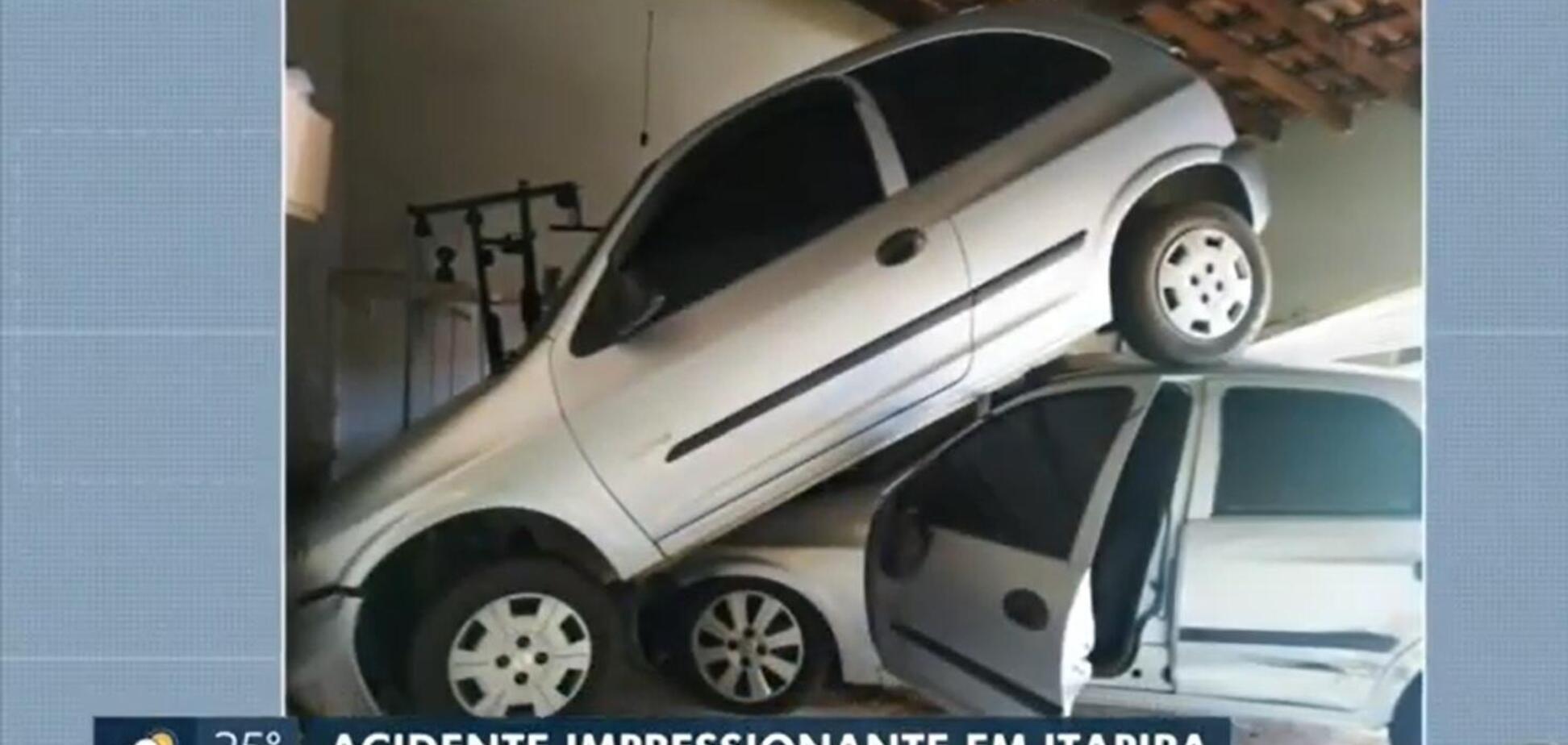 Красиво влетел в чужой гараж: необычное ДТП попало на видео