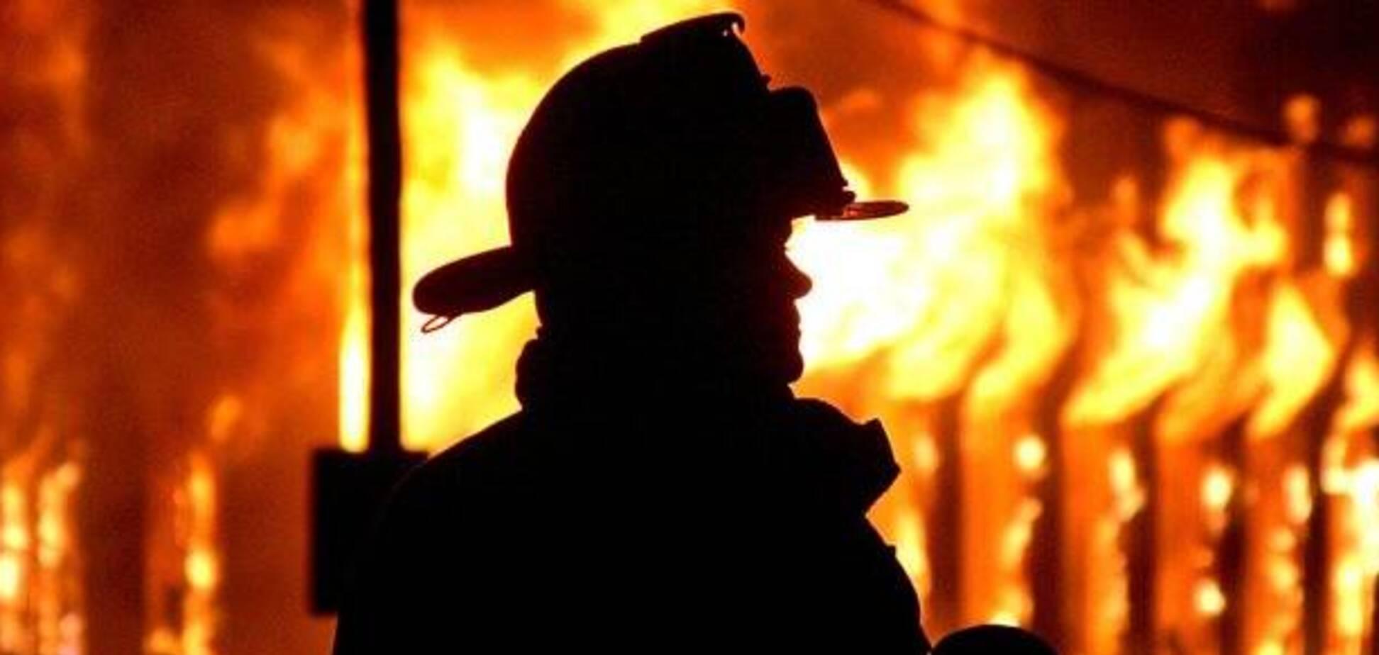 На Київщині у пожежі мало не загинули чоловік та маленька дитина