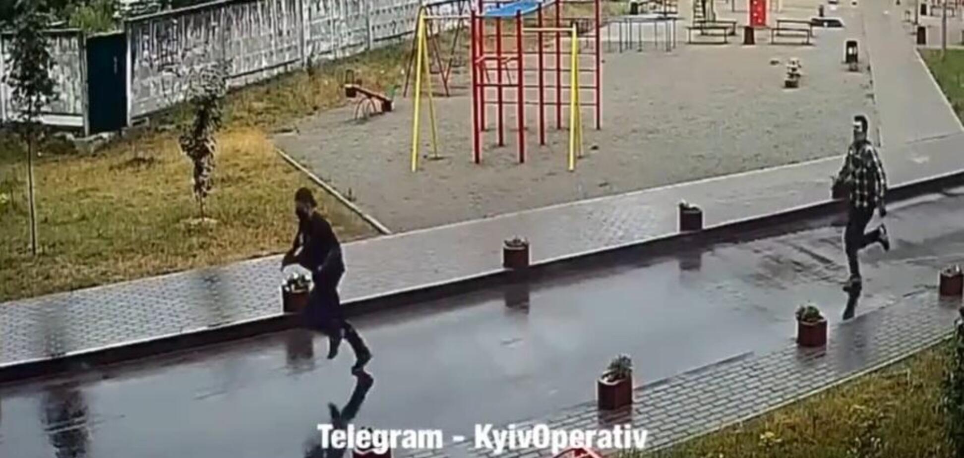 У Києві на Осокорках влаштували стрілянину й погоню