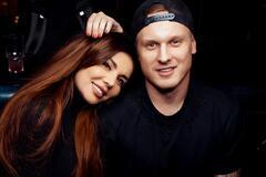 Седокова удивила сеть забавным свадебным фото