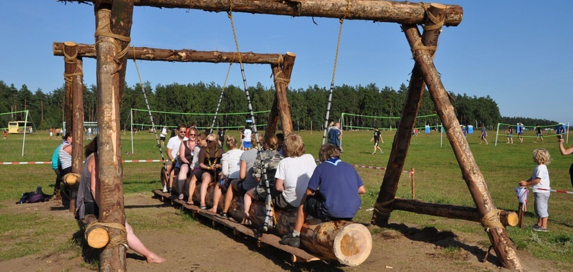 В Украине озвучены правила приема детей в летние лагеря