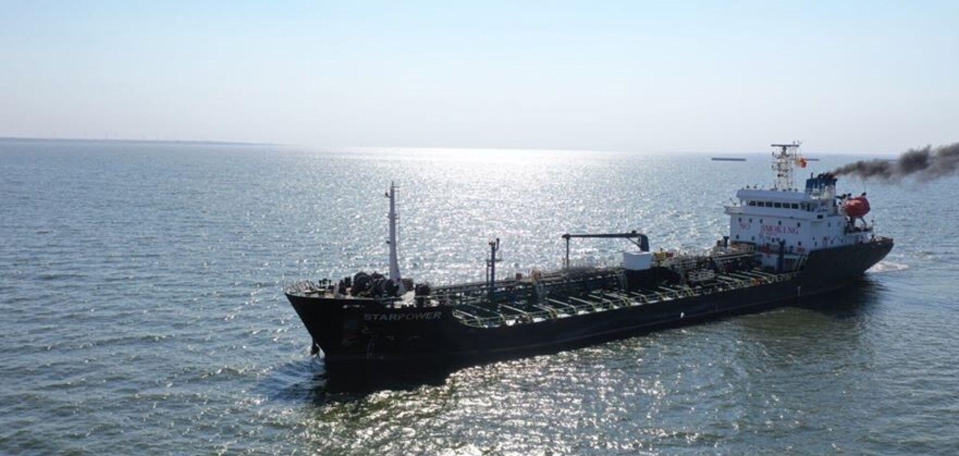 В Очаков пришло судно с 3,5 тыс. тонн битума для 'Великого будівництва'