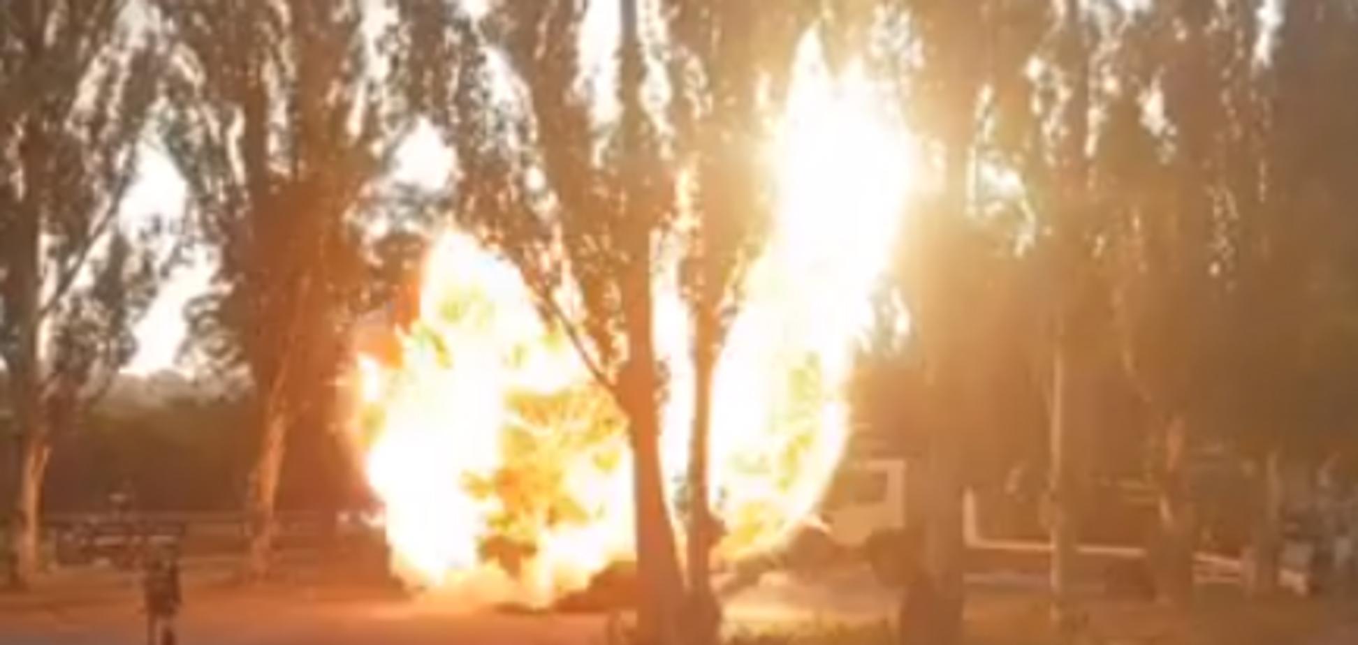У Києві вибухнув і загорівся автомобіль