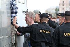 ОМОН разогнал митингующих в Беларуси (фото: 24 канал)