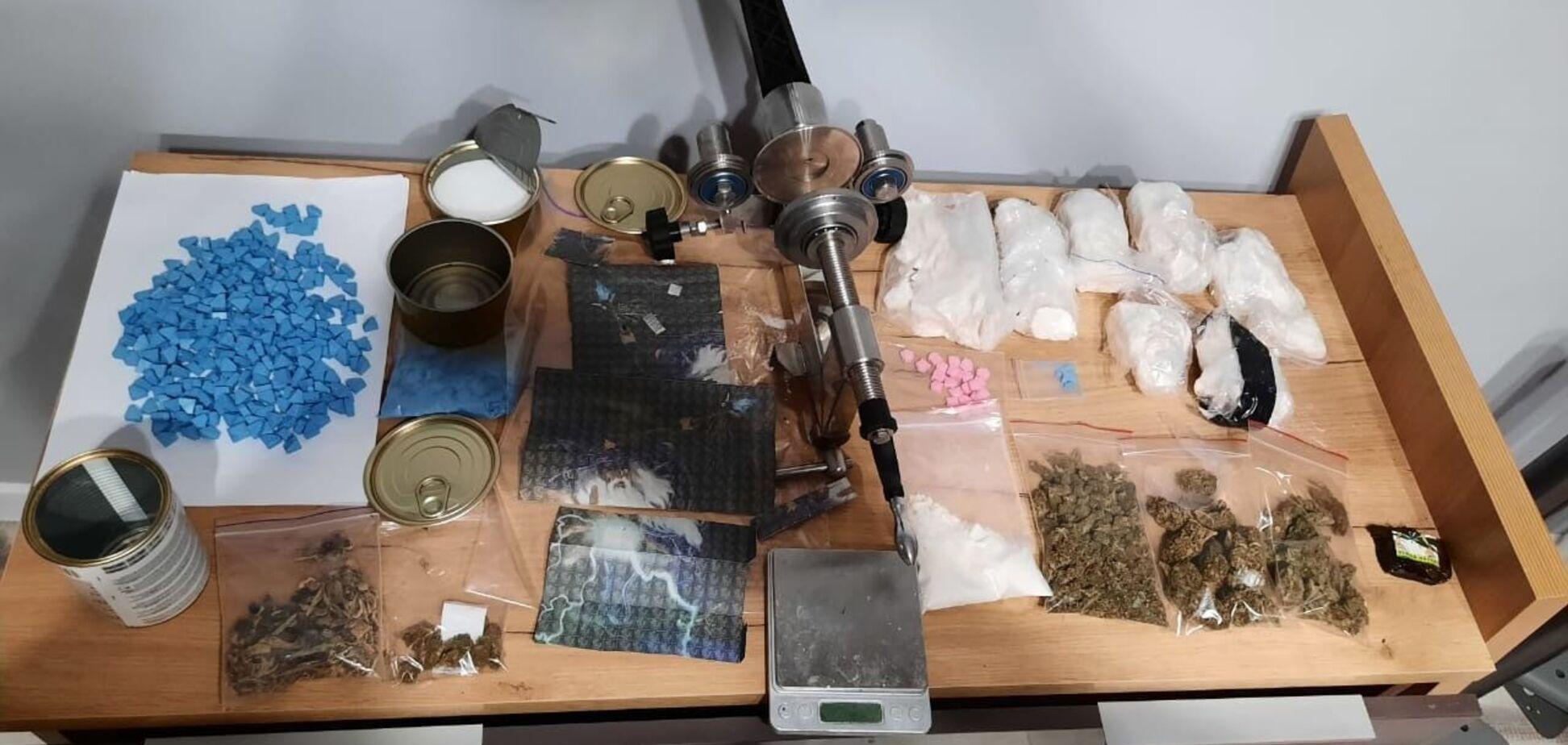 У Києві в чоловіка вилучили наркотиків на суму близько 5 млн грн