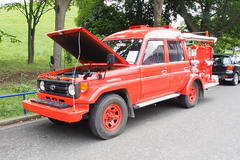 Старый внедорожник Toyota превратили в пожарную машину. Скриншот видео PacificCoastAuto