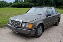 Старый седан Mercedes смог поехать после 16 лет 'клинической смерти'