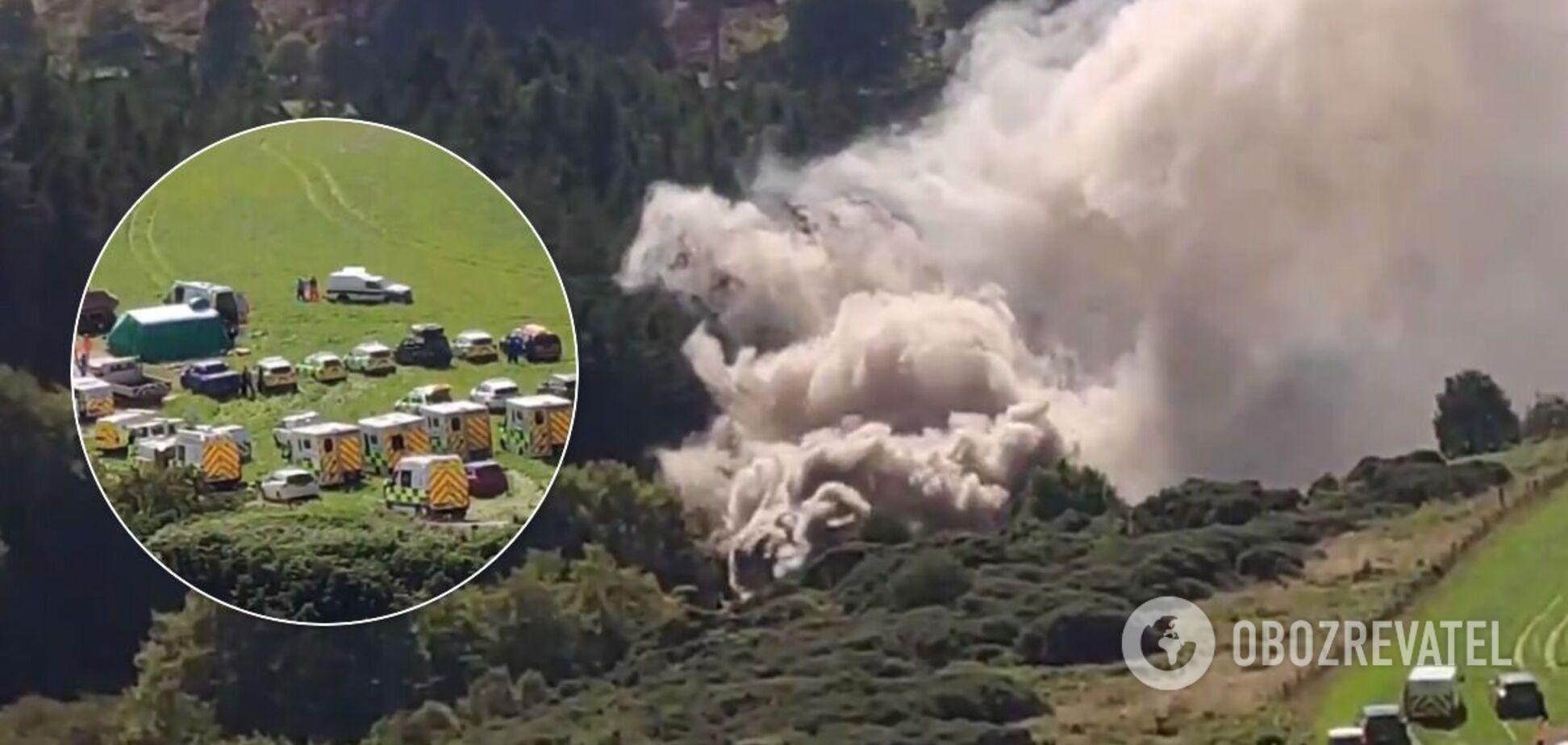 В Шотландиипоезд сошел с рельсов и загорелся: есть погибшие. Фото и видео