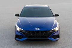 Hyundai представил спортивную версию Elantra N Line