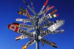 Украинцам позволили путешествовать в 42 страны