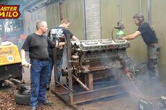 Дизельный двигатель V12 объемом 38,8 л чудом завели после 28 лет простоя