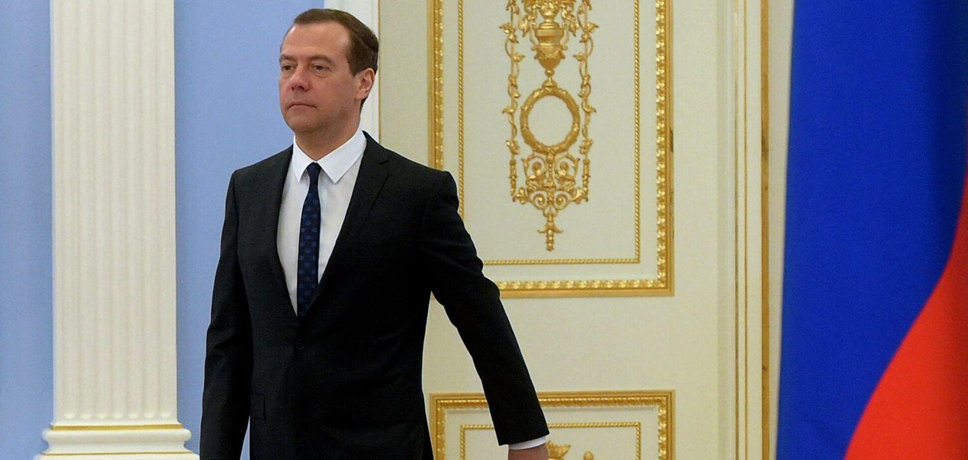Не будите спящего Медведева