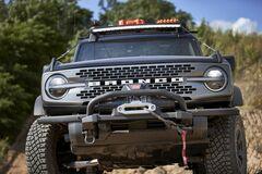 Ford решил эффектно отметить 55-летие модели Bronco