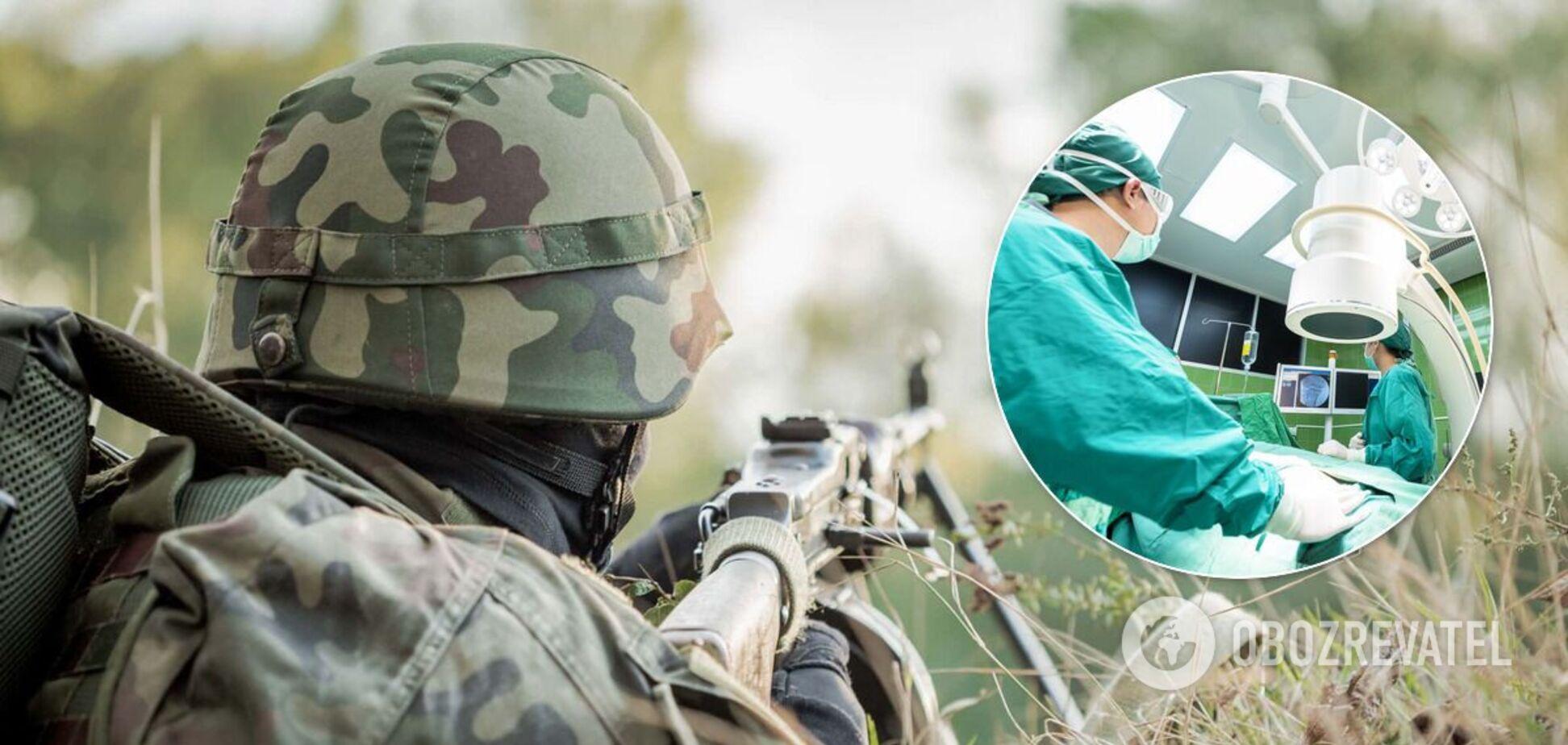 З'явилися подробиці про пораненого на Донбасі бійця ОС: медики рятують його життя