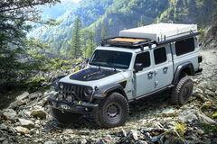 На природу с комфортом: Jeep представил туристический Gladiator