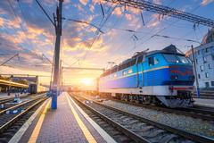 'Укрзалізниця' закроет для посадки пассажиров три станции
