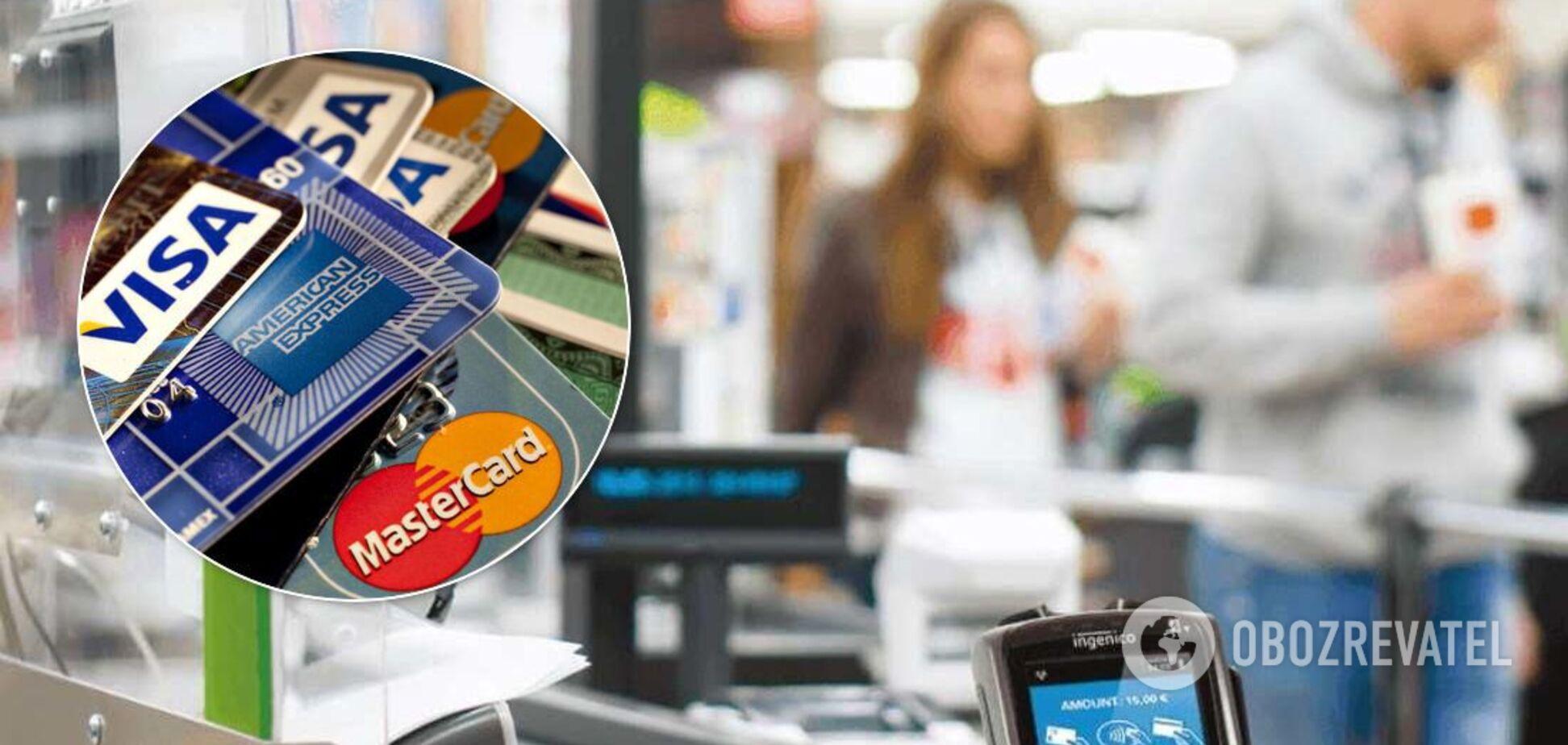 У Хмельницькому касир-аферист зняв 30 тисяч гривень із карток клієнтів
