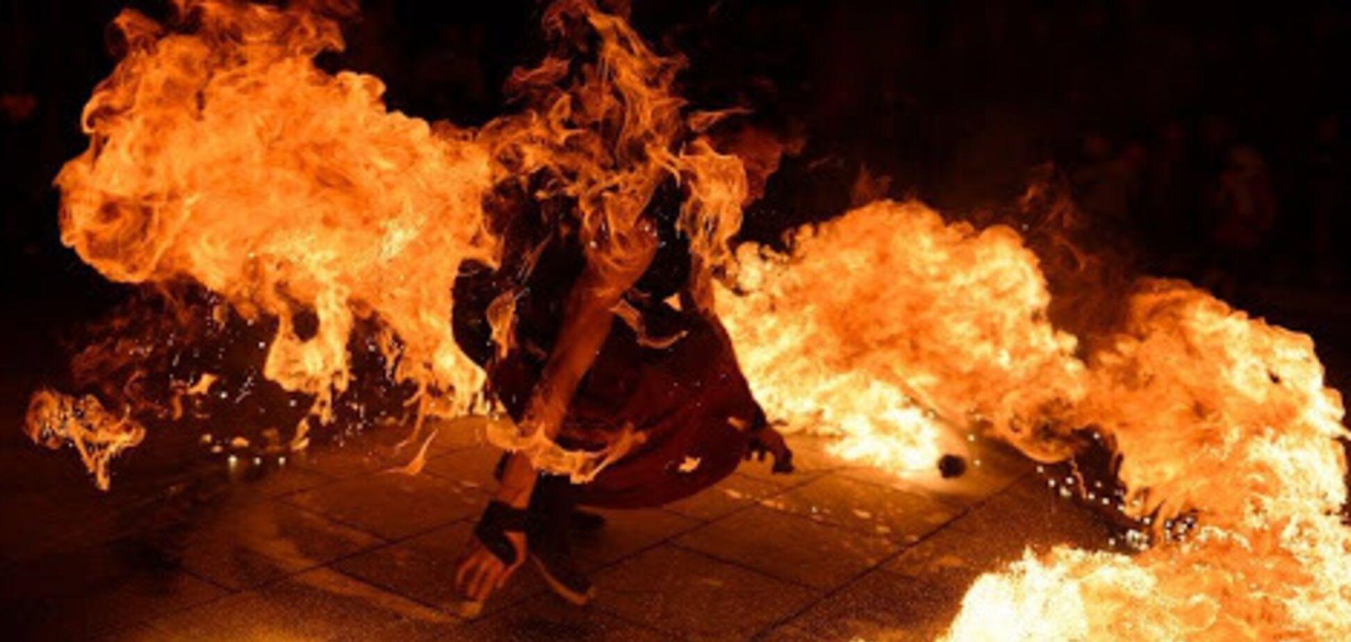 В Одесі дівчина підпалила себе на фаєр-шоу
