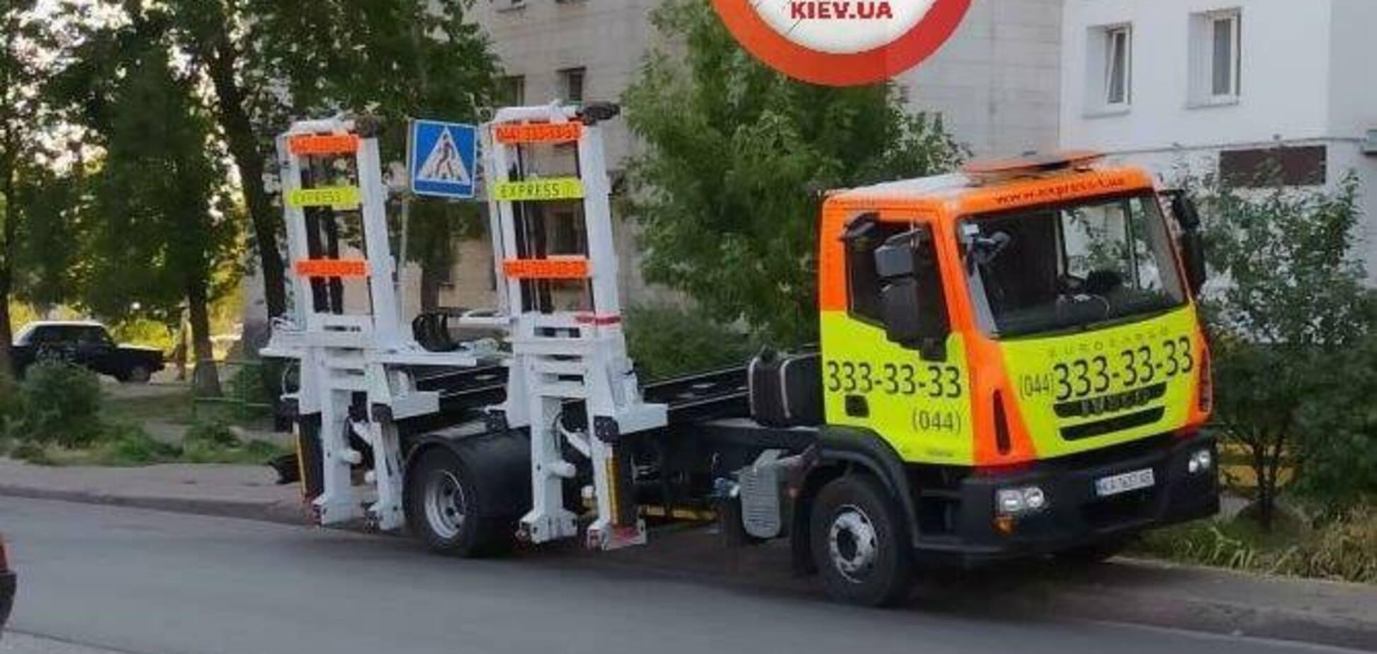 У Києві на порушенні ПДР зловили 'головного борця' з героями паркування