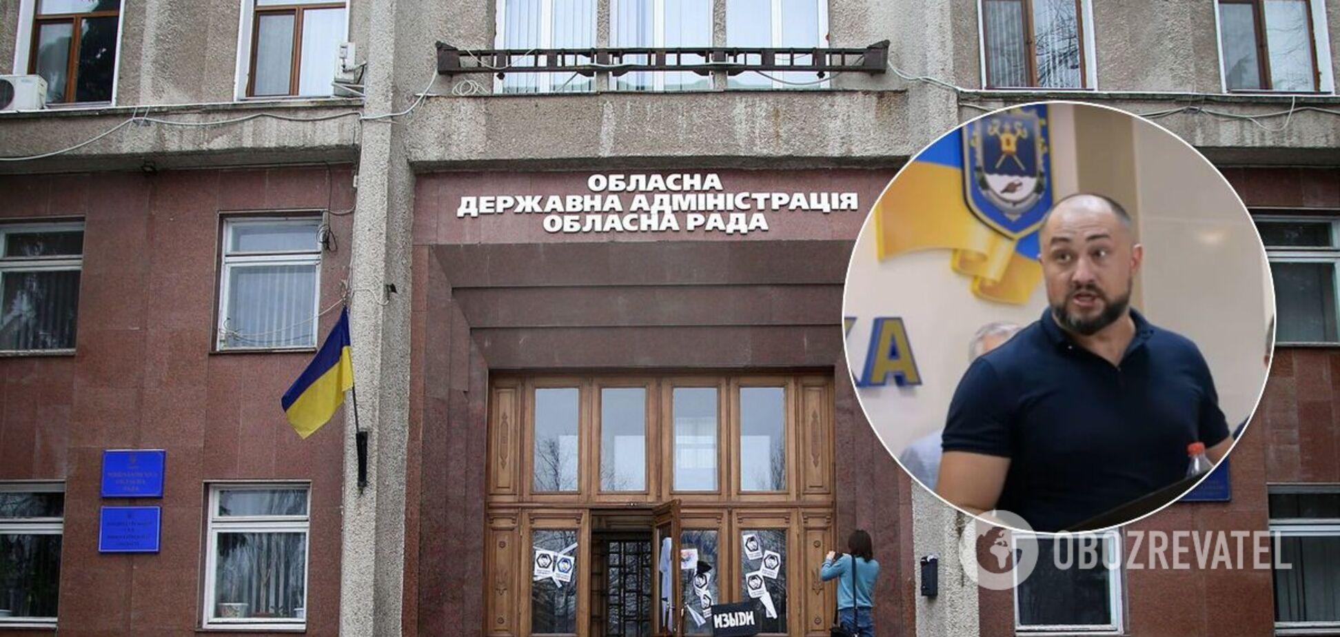 В Николаеве депутатов ОПЗЖ забросали яйцами