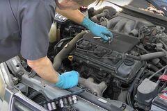 У Toyota Camry не меняли масло 160 000 км: как выглядит ее двигатель