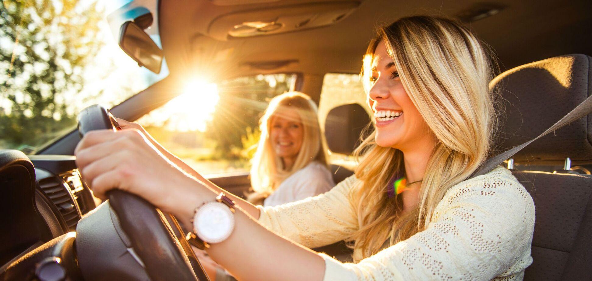 Как защитить авто от жаркого солнца, и что не стоит оставлять в салоне