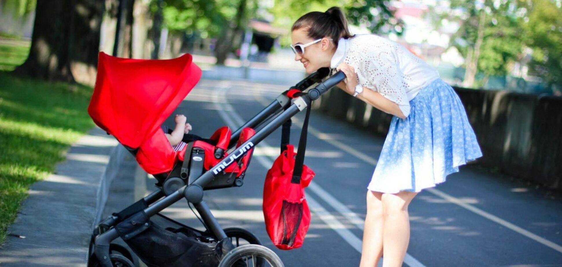 У Кривому Розі мати напувала маленьку дитину алкоголем. Відео
