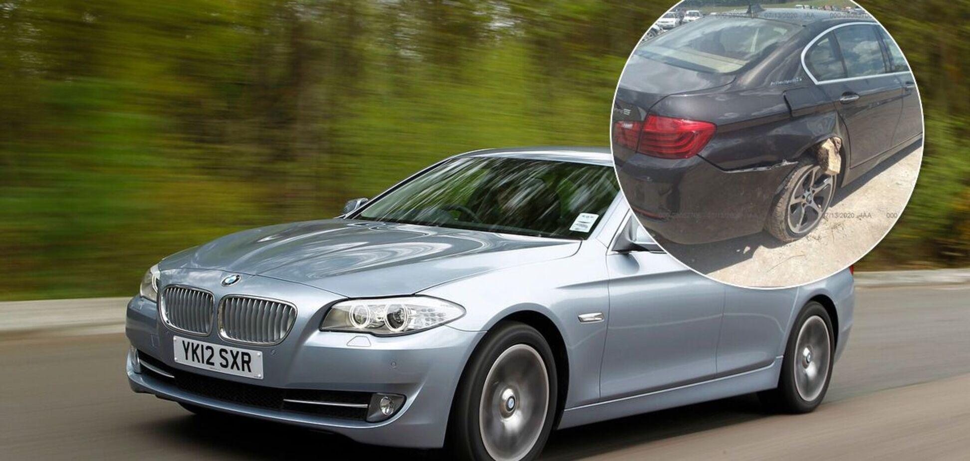 На продаж виставили 'биток' BMW з дуже незвичайним ушкодженням