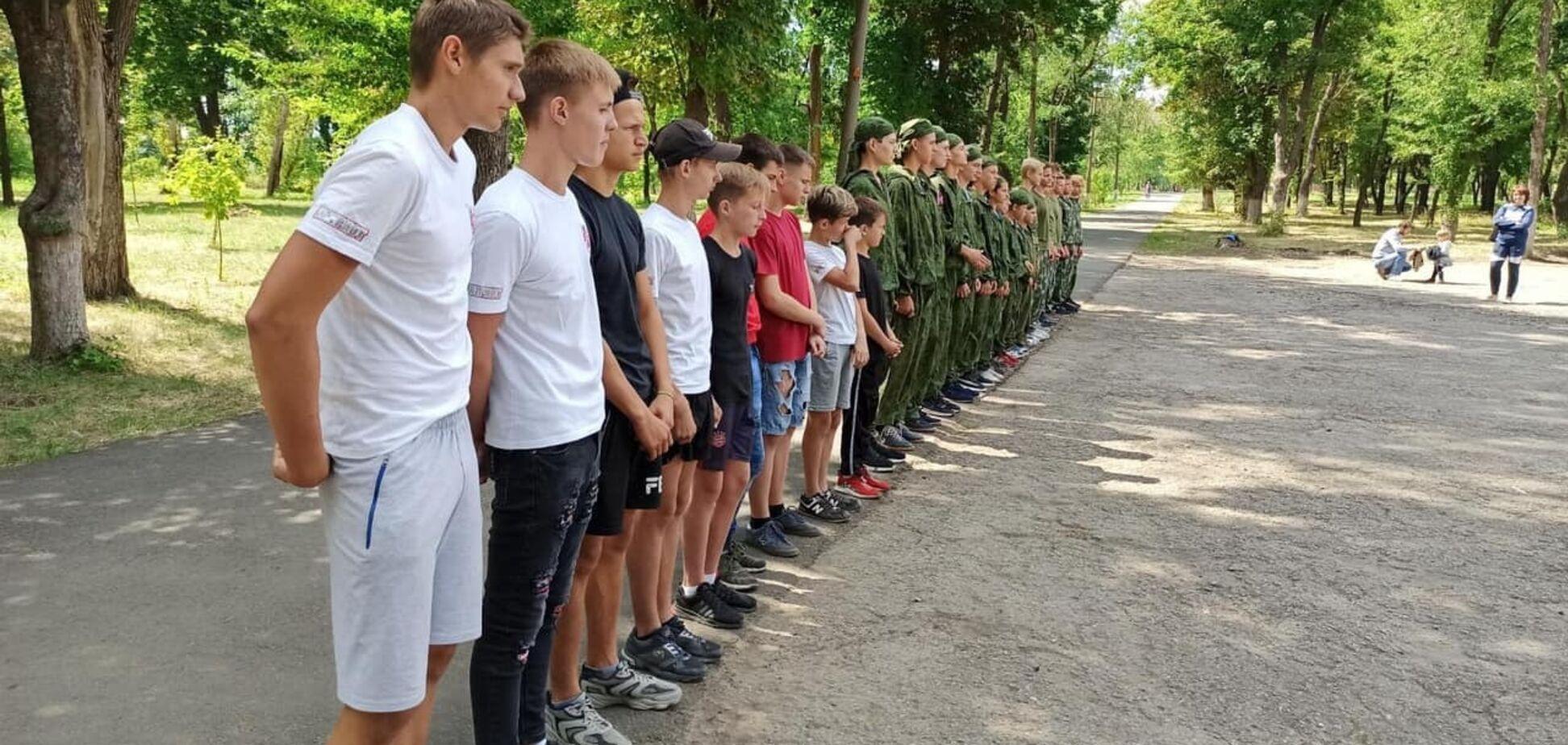 На окупованій Луганщині пройшли військово-патріотичні збори дітей і молоді