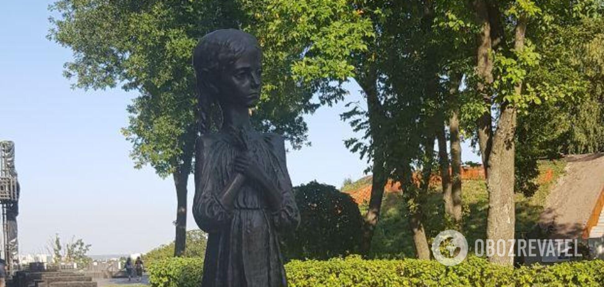 Акт вандалізму на Меморіалі Голодомору є наслідком політики влади