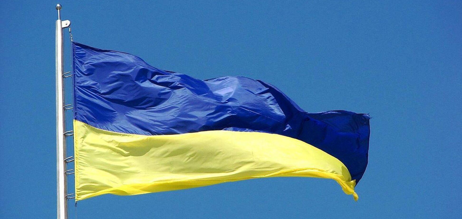 Українцям час дорослішати, або Без політики вже не вийде